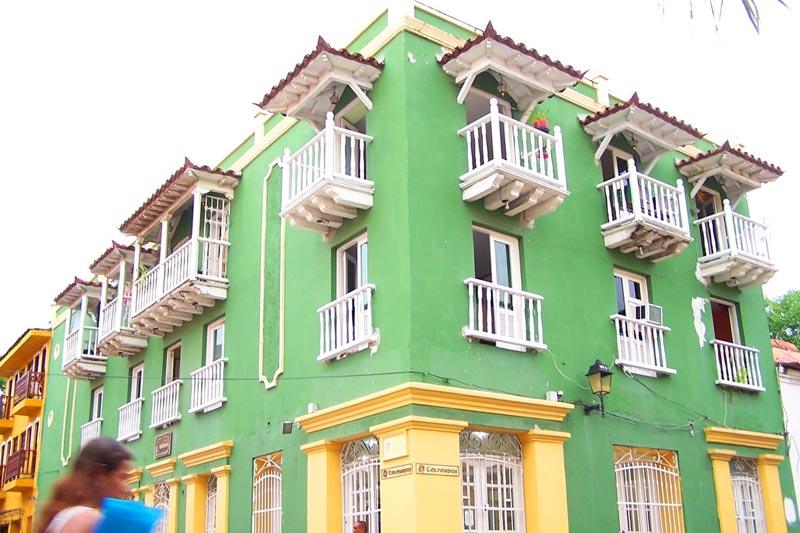 Le tipiche case colorate del centro storico di Cartagena (foto: Flickr/)ulianH