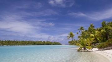 Durante l'escursione in vaka, le spiagge selvagge della laguna di Aitutaki, principale isola settentrionale del miniarcipelago delle Cook