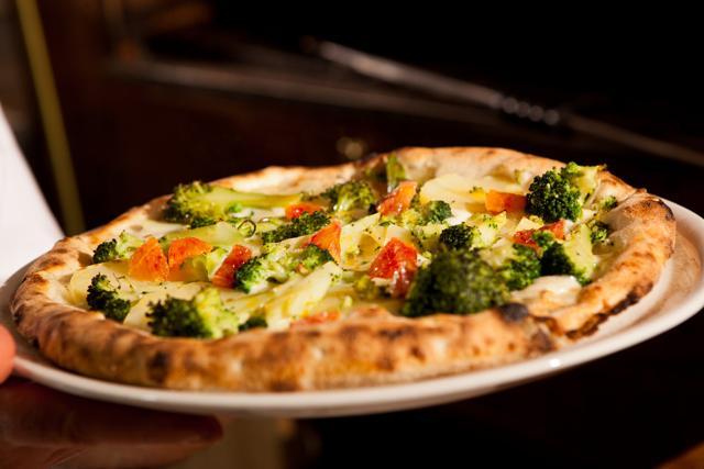 L'estate della pizza gourmand. A Sud e in Norditalia