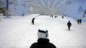 Sciare nel deserto: una delle sorprese di Dubai, che ha una pista e noleggio attrezzatura nel Mall of the Emirates