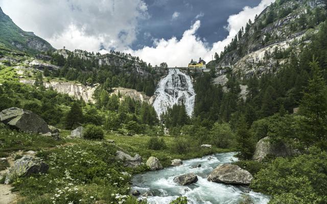 Foto Le cascate più belle del mondo. A partire dall'Italia