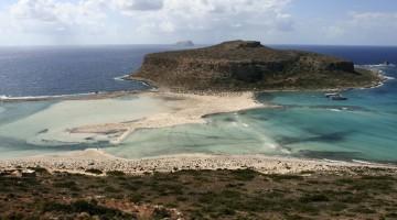 Alla Laguna di Balos si può arrivare via mare (partendo da Kastelli) o via terra lungo una strada sterrata (foto: Flickr/enricod)
