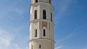 Il campanile della Cattedrale di Vilnius (foto Alamy/Milestone Media)