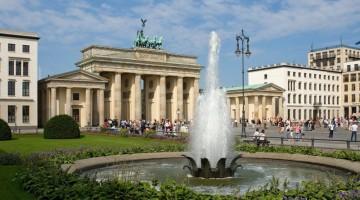 La Porta di Brandeburgo è uno dei simboli più famosi della città di Berlino (foto: visitBerlin/Wolfgang Scholvien)