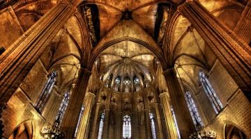 L'interno della Catedral de la Santa Creu i Santa Eulàlia (foto: Flickr/Rickydavid)