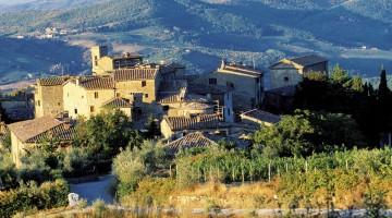 Il panorama attorno al Castello di Volpaia è tra i più incantevoli di tutto il Chianti
