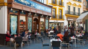 Confiteria La Campana, indirizzo ideale per un dolce tradizionale a Siviglia (foto Alamy/Milestone Media)