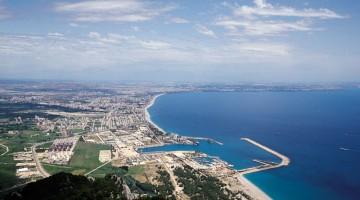 Antalya è circondata da decine di chilometri di spiagge sabbiose