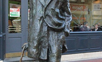 La statua in onore di James Joyce in North Earl Street (foto: Valentina Castellano Chiodo)