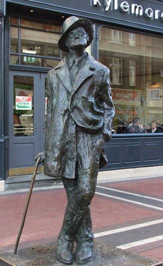 La statua in onore di James Joyce in North Earl Street (foto: Valentina Castellano Chiodo)