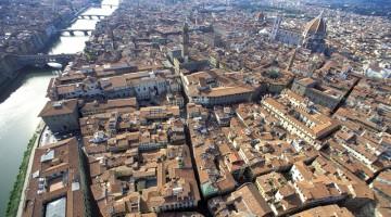 I tetti rossi di Firenze e l?Arno: la città vista dall?alto