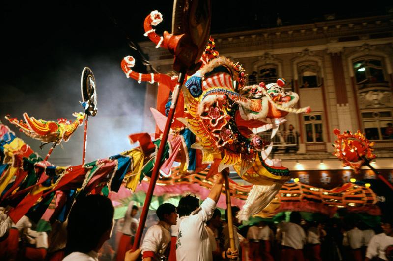 Fuochi e giochi di luce per il Nuovo Anno cinese di San Francisco (foto Alamy/Milestone Media)
