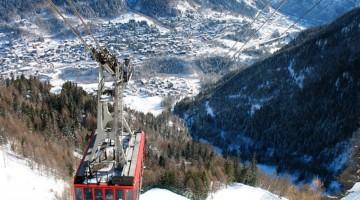 """Dalla funivia chiamata """"La Gigante"""" si gode di una magnifica vista sulla valle (foto: www.courmayeur-montblanc.com)"""