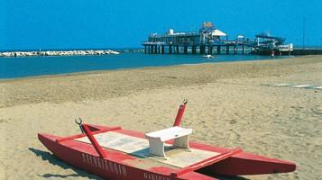 La spiaggia di Gabicce Mare (foto Alamy/Milestone Media)