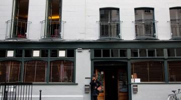 Il Groucho Club, locale per vip a Londra (foto Alamy / Milestone Media)