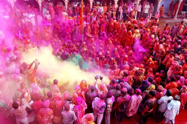 India, il coloratissimo Holi