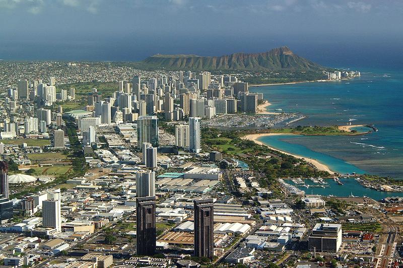 Paradiso esotico dei film americani degli Anni ?30, Honolulu oggi è ricoperta di grattacieli (foto: Hawaii Visitors & Convention Bureau)