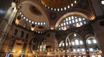 La Moschea di Solimano, a Istanbul, occupa quasi un intero colle (foto: Uff. Cultura e Informazioni Ambasciata di Turchia)