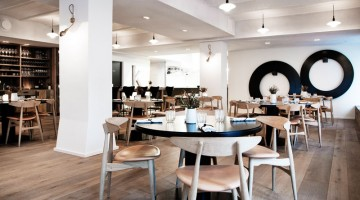 Gli ambienti del ristorante Kadeau, a Copenhagen, sono ricercati ma mettono subito l'ospite al proprio agio (foto: Marie Louise Munkegaard)