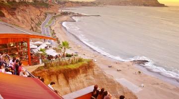 Movida a Miraflores, uno dei quartieri più popolari di Lima (foto Flickr/Bracani…Antonio)