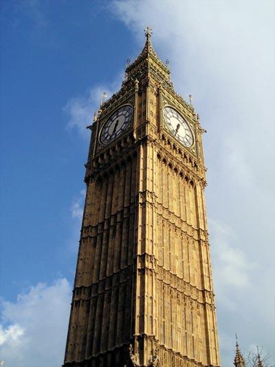 Big Ben è il nome della campana principale del Grande Orologio di Westminster, sulla Clock Tower (la torre dell'orologio dedicata a Santo Stefano)