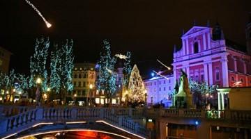 Il centro di Lubiana illuminato per Natale