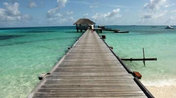 Il pontile di Alifu Dhaalu, nell'atollo di Ari Sud (foto: Carlotta Lombardo)