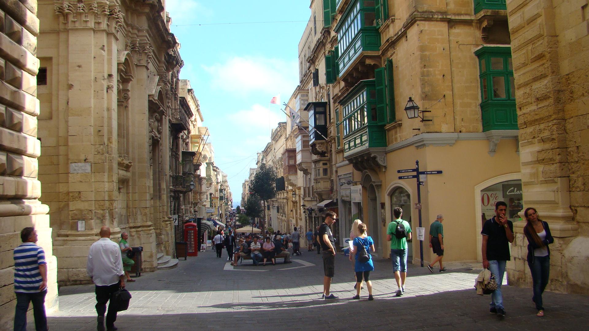 """I caratteristici balconcini detti """"bow-windows"""", a La Valleta (foto Cristina Piotti)"""
