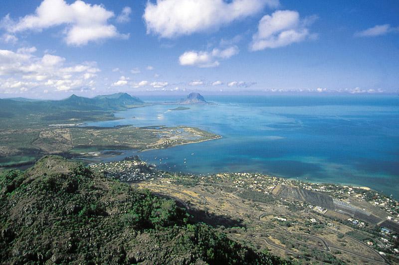 Una veduta aerea della costa di Mauritius