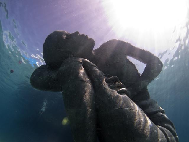Bahamas: un colosso subacqueo per salvare il pianeta…