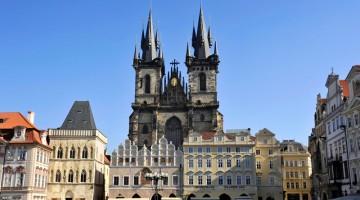 La Piazza di San Venceslao (Václavské nám?stí), a Praga (foto Alamy/Milestone Media)