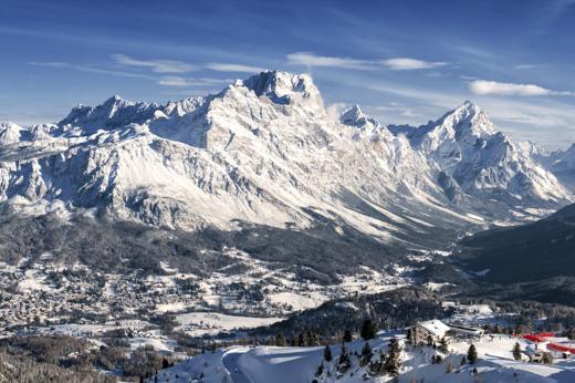 A Cortina, dal 28 al 30 marzo, c'è una specie di svuota-tutto in boutique, negozi, locali, ristoranti, rifugi, alberghi e scuole di sci  (foto: Getty Images)
