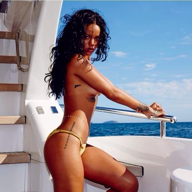 Rihanna: scatti hot dal Brasile