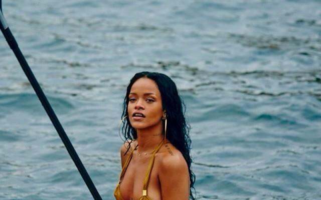 Foto Rihanna: scatti hot dal Brasile