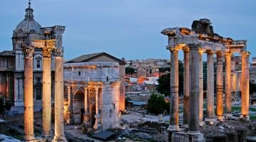 Roma: i fori Imperiali al tramonto