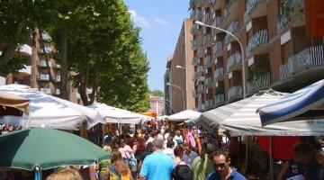 Il pittoresco mercato di Porta Portese, in cui si trova un po' di tutto, a prezzi accessibili