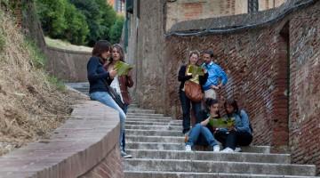 L'itinerario del trekking urbano parte da Piazza del Campo e arriva alla Fortezza Medicea