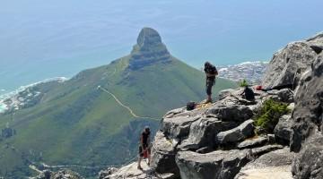 La discesa della Table Mountain in cordata doppia è adatta anche ai principianti e viene effettuata in ogni periodo dell'anno (foto: Flickr/departing(YYZ).com)