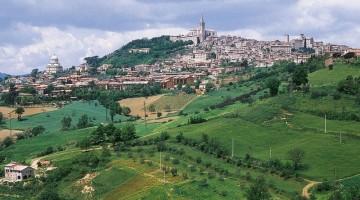 Panorama di Todi, una delle città più rilassanti dell'Umbria