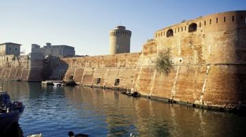 Livorno, la Fortezza Vecchia, imponente costruzione medievale affacciata sul Porto Mediceo