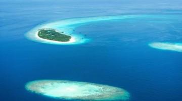 Gli atolli delle Maldive, dall'alto, sono spettacolari (foto: Getty Images)