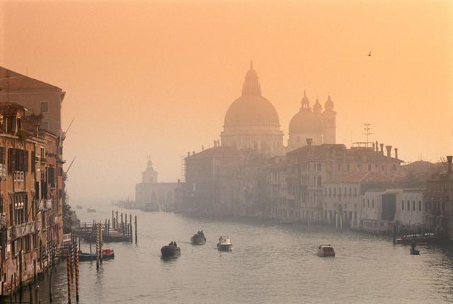 Natale con la nebbia: gli scatti più belli dal mondo