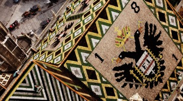 L'originale tetto della Chiesa di Santo Stefano di Vienna (foto: www.peterrigaud.com)