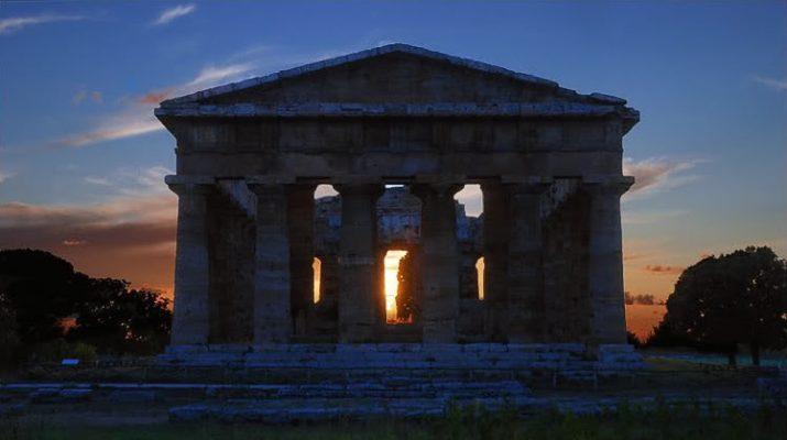 Foto Paestum, visita all'alba