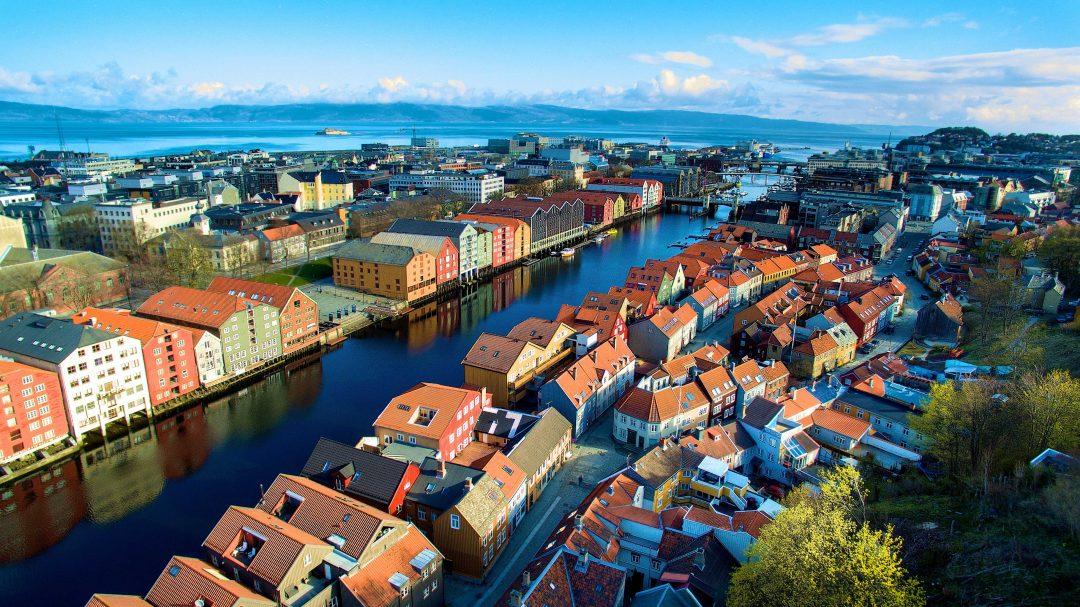 In crociera, tra i fiordi della Norvegia