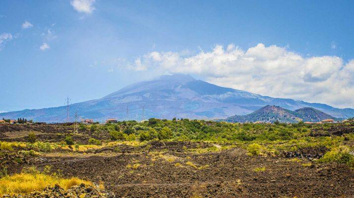Foto All'ombra dell'Etna: gli itinerari tra terra e mare