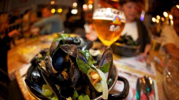 Foto A Lille per la Grande Braderie, la megafesta del Bric a brac