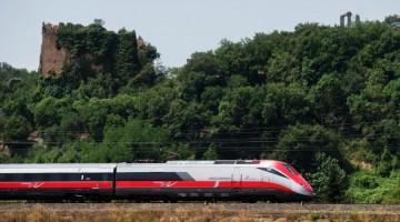 Alta-velocita-Milano-Bari-Lecce-Frecciarossa-1