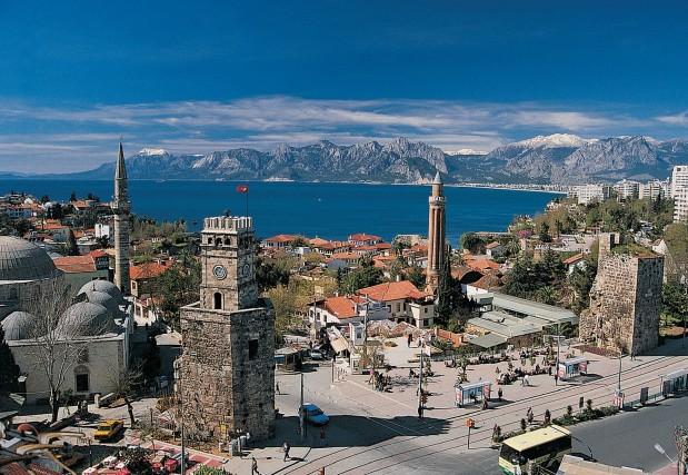 Antalya e dintorni: la città dell'Expo 2016 e la sua regione