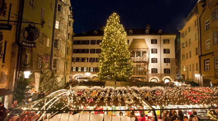 Foto A Innsbruck c'è già aria di Natale